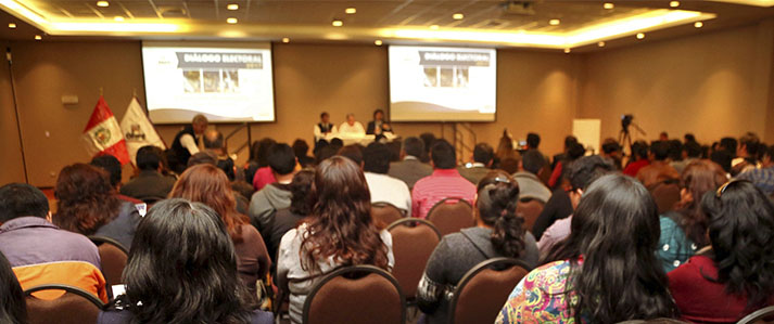 En Iquitos evalúan importancia de la democracia y la participación ciudadana