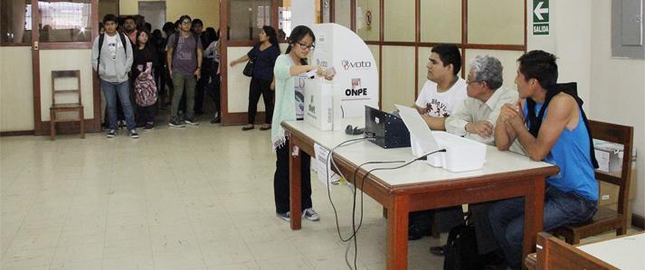 Universidad Nacional del Callao desarrolla elecciones complementarias con uso del voto  electrónico