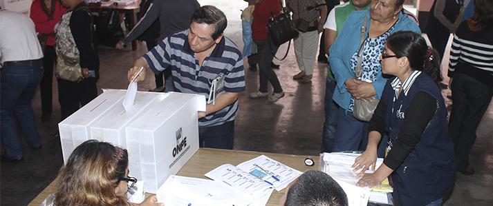 Cuatro partidos políticos realizan elecciones internas con asistencia técnica de la ONPE