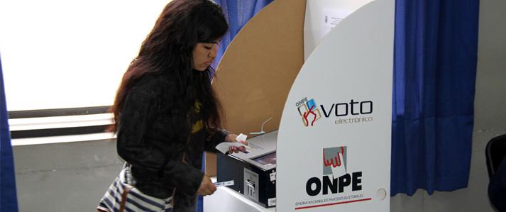 Universidad San Marcos utiliza por primera vez el voto electrónico en elecciones complementarias